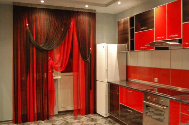 Красно черная кухня какие шторы
