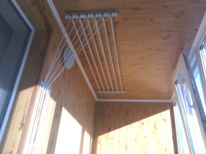 Как сделать сушилку на балкон своими руками