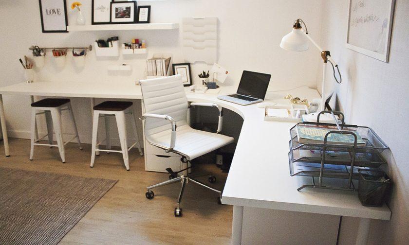 угловой письменный стол 105 фото вариантов сочетания в интерьере