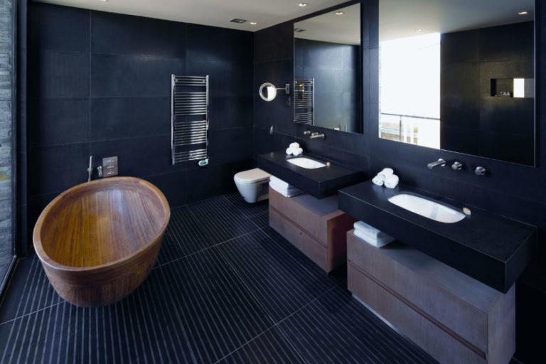 Фото ванной комнаты с черным интерьером