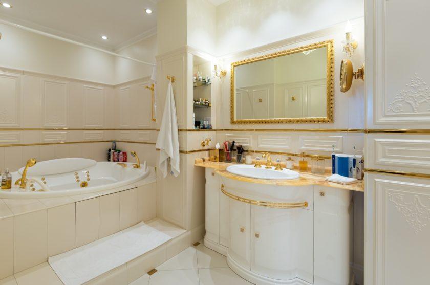 Ванные комнаты классика мебель в малометражную комнату