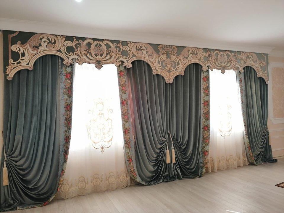 Красивые шторы для зала.